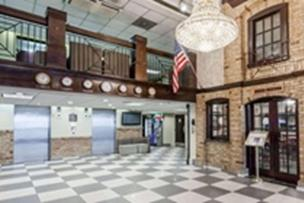 Howard Johnson Hotel by Wyndham Newark Airport
